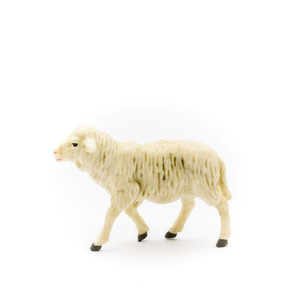 Sheep looking straight ahead (plastic material), to 4.75 in. Figures