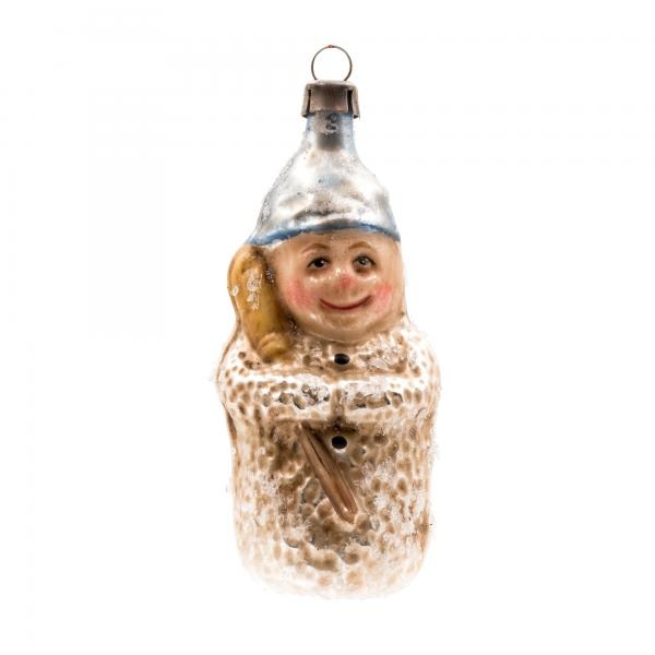 """Glass ornament """"Snow Child with broom"""", with glitter"""