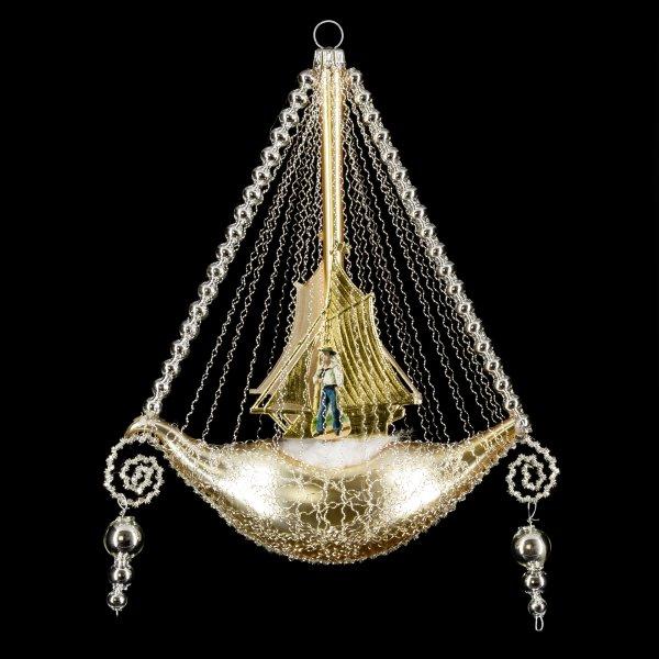 Schiff mit Oblate, Segel und 2 Perlenhängern, gold